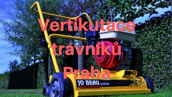 Vertikutace trávníku v Praze